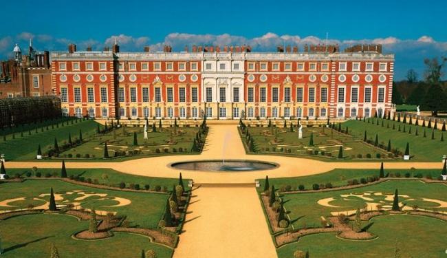 Hampton Court Place day-trip